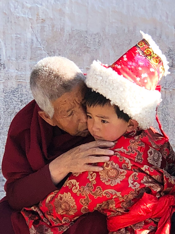 A tender moment - Unveiling the Buddha at Labrang Monastery, 2018/02