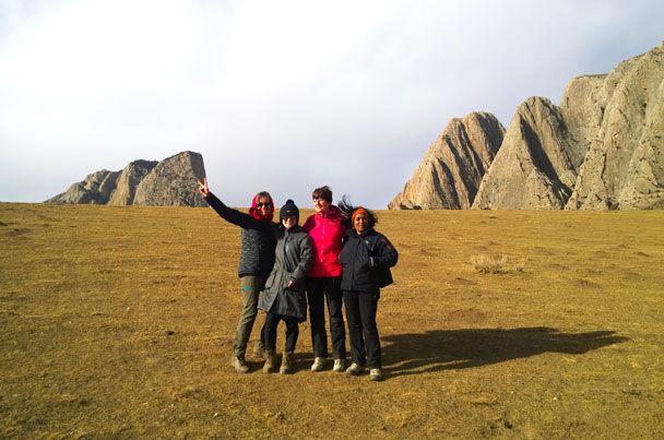 Hiking and exploring the grasslands - Unveiling the Buddha at Labrang Monastery, 2018/02