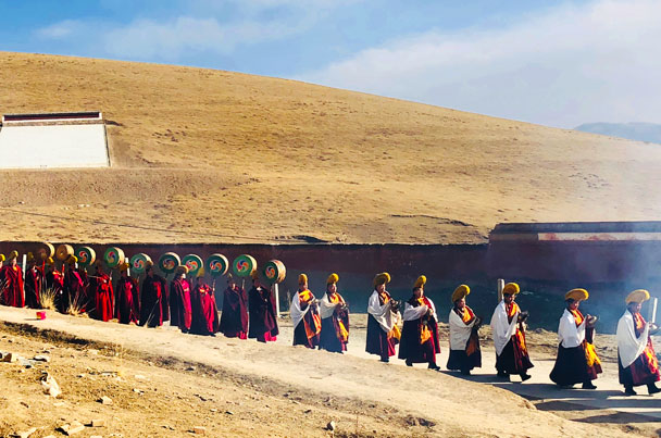 On the way to the ceremony - Unveiling the Buddha at Labrang Monastery, 2018/02