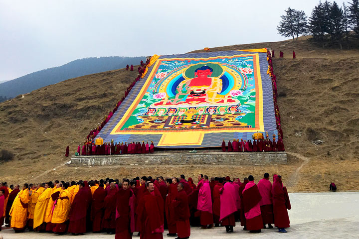 'Unveiling the Buddha' at Labrang Monastery, 2018/02/16 photo #5