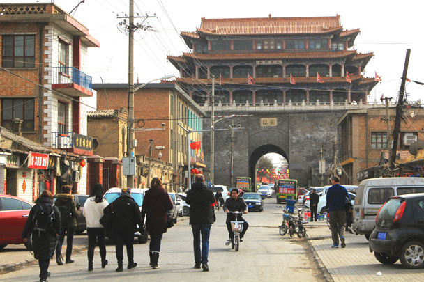 We walked through Yuxian's old town, heading for the Drum and Bell Tower - Yu County overnight, March 2018