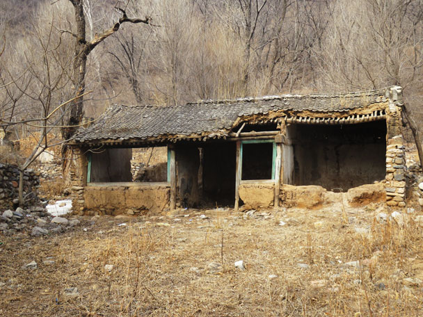 The last household in this village moved out in 2012 - Yudu Mountains and Sujia River, 2018/03/03
