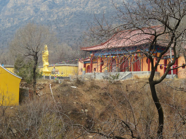 Huangbai Temple, near the end of the hike - Yudu Mountains and Sujia River, 2018/03/03