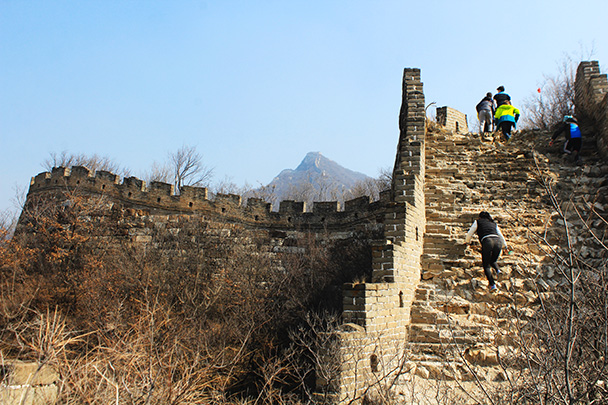 A rough section with a strong foundation. The Chinese Knot is on the peak in the background - Chinese Knot Great Wall, 2018/03/10