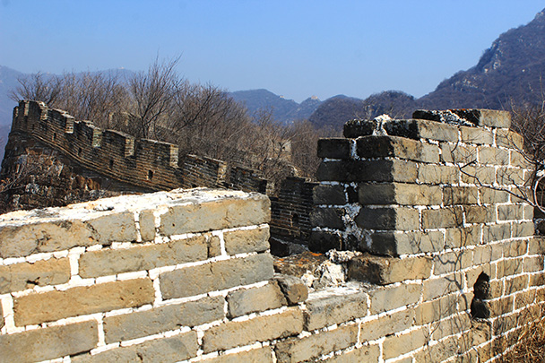 The wall made an interesting curve here - Chinese Knot Great Wall, 2018/03/10