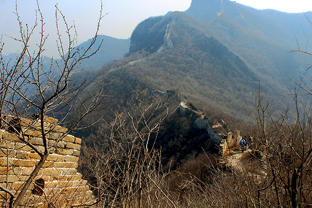 From the high point we hiked down to the village - Chinese Knot Great Wall, 2018/03/10