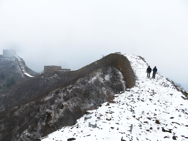 The Great Wall turned into a snow dragon - Gubeikou to Jinshanling snow hike, 2018/03/17
