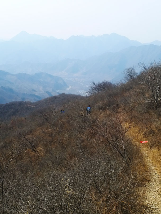 Hiking down hill trails to finish the walk - Great Wall Spur hike, 2018/03/21