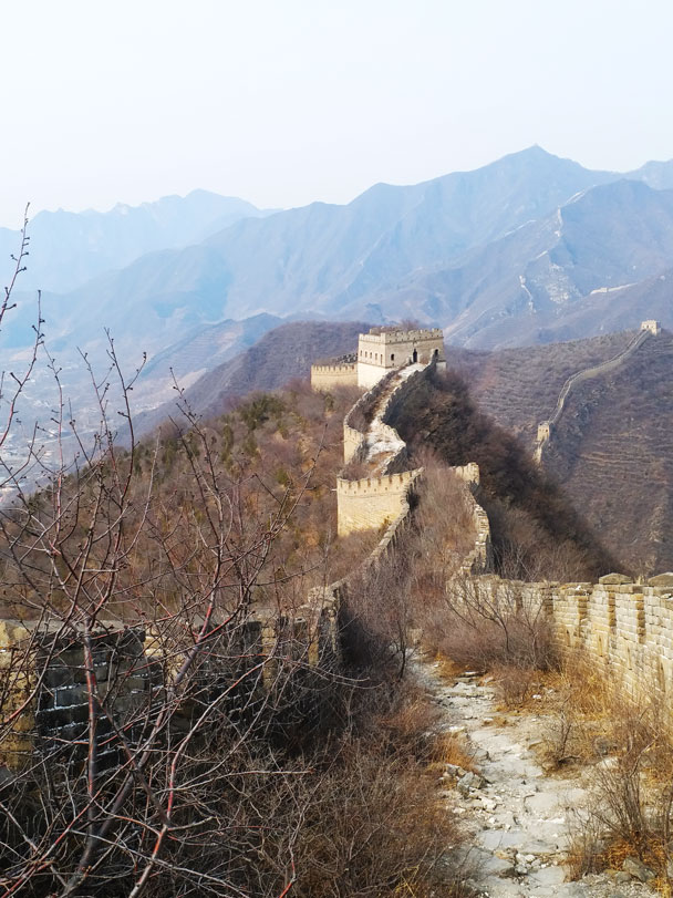 From a little higher up we had a good view of the wall in the surrounding hills - Great Wall Spur hike, 2018/03/21