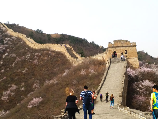 About to hike through a tower - Huanghuacheng Great Wall to the Walled Village, 2018/03/29