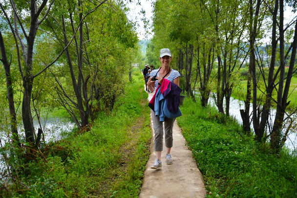Walking towards the lake - Lijiang and Shangri-La, Yunnan Province, July 2018