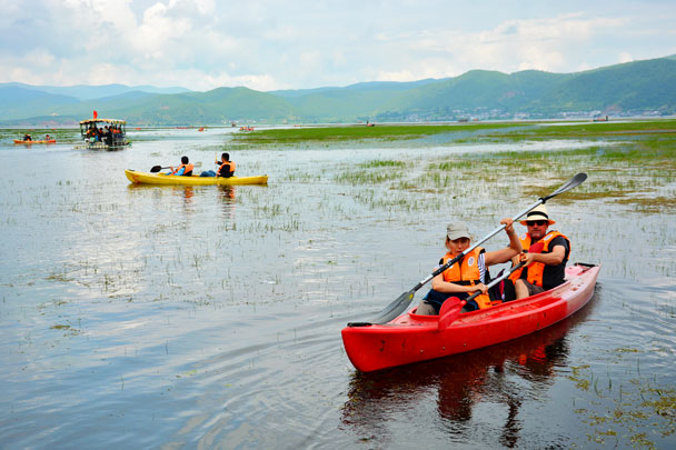 Kayaking on Lashi lake - Lijiang and Shangri-La, Yunnan Province, July 2018