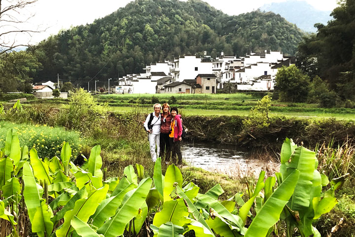 Wuyuan 'Fields of Flowers', Jiangxi Province, 2019/04/04 photo #10