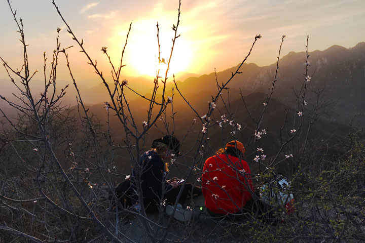 Sunset over the Huanghuacheng Great Wall, 2019/04/06 photo #17