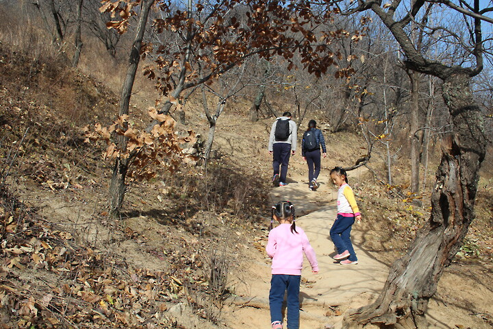 Kids Club—Xiangtun Village loop hike, 2020/11/07 photo #3