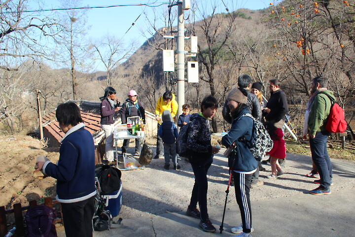 Kids Club—Xiangtun Village loop hike, 2020/11/07 photo #22