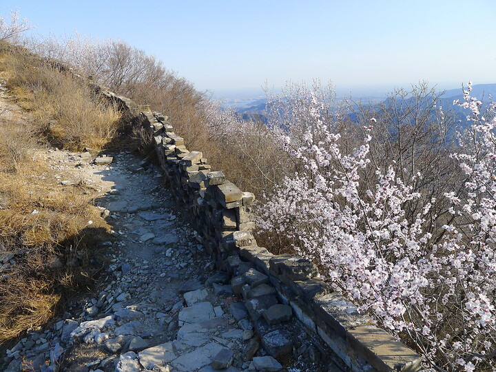 Jiankou Great Wall to Beigou Village sundown hike, 2021/04/04 photo #8