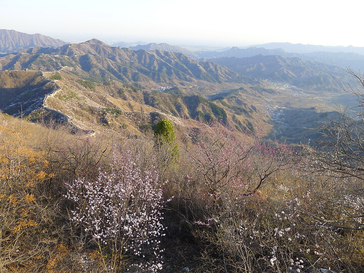 Jiankou Great Wall to Beigou Village sundown hike, 2021/04/04 photo #17