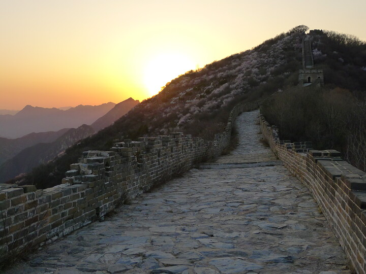 Jiankou Great Wall to Beigou Village sundown hike, 2021/04/04 photo #26