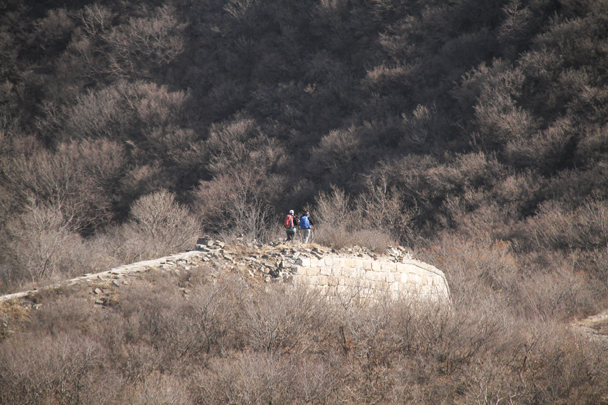Hikers on a rough part of the wall - Switchback Great Wall Camping, 2016/03/26