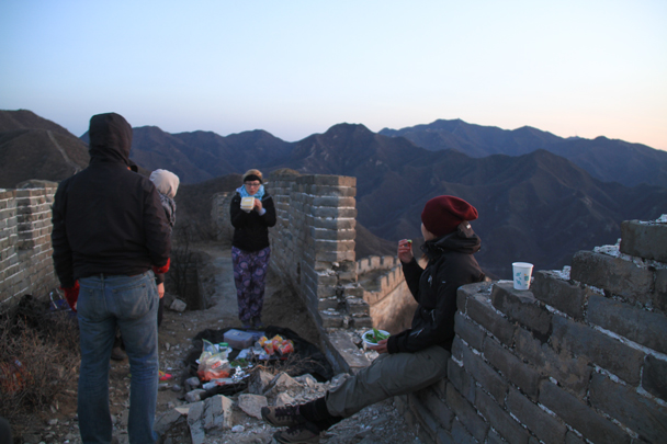 Finishing dinner - Switchback Great Wall Camping, 2016/03/26