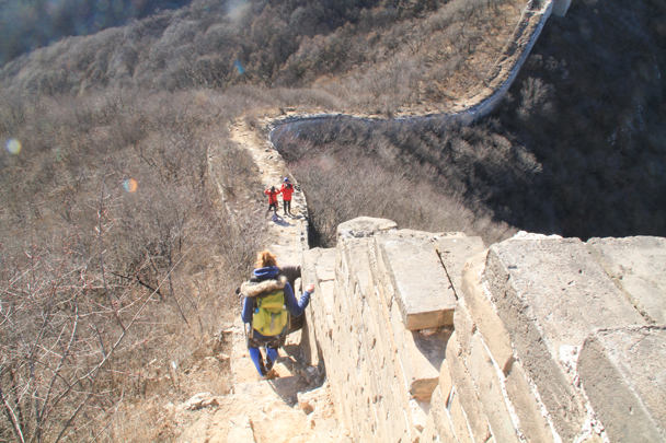 After we packed everything up we continued the hike along the wall - Switchback Great Wall Camping, 2016/03/26