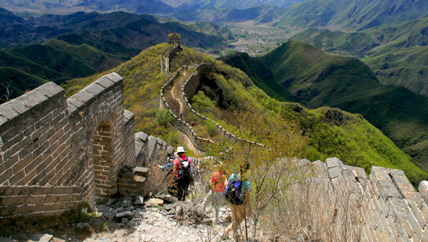 Great Wall Spur | Hiking down a rough section of the Great Wall Spur