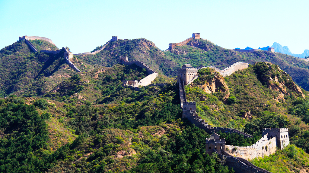 Gubeikou to Jinshanling Great Wall | A wide view of the Great Wall at Jinshanling