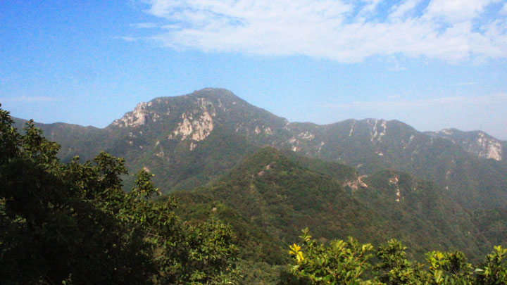 The approach to Heituo Mountain