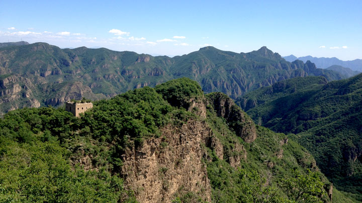 A Great Wall tower on the edge of a cliff