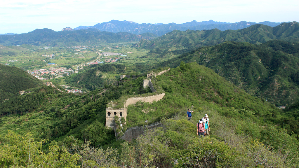 Huanghuacheng Great Wall | Hiking on the unrepaired section of the Great Wall at Huanghuacheng