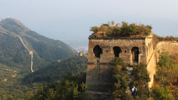 A tower on the unrepaired part of the Great Wall at Huanghuacheng