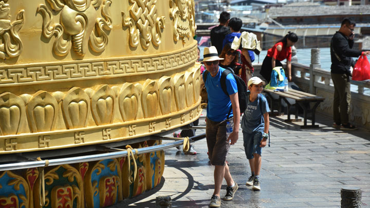 The giant prayer wheel in the middle of Shangri-La's old town