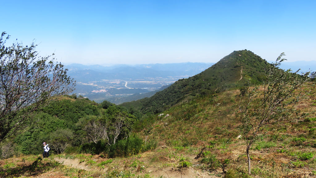 Over the Hills to Dajuesi hike | High mountain views in the west of Beijing