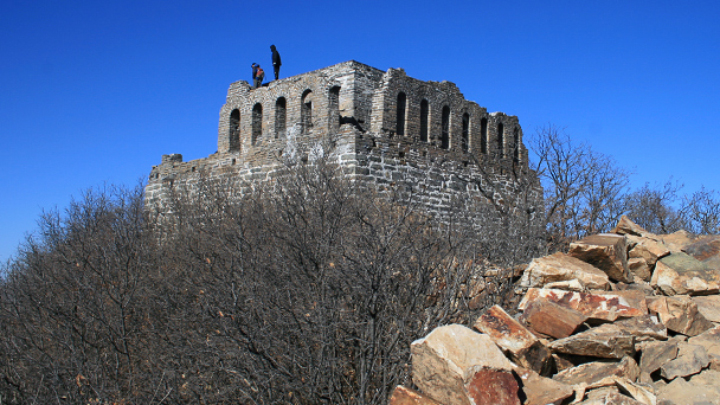Nine-Eyes Tower, before the repairs in 2014