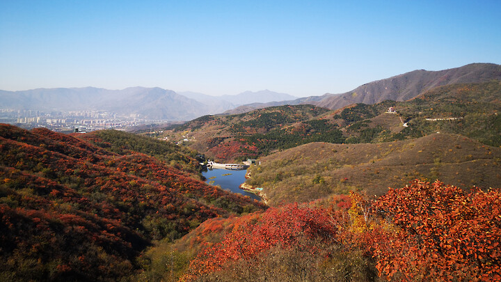Autumn views of the Nanmuchang Reservoir