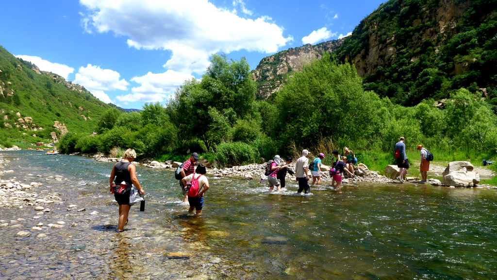 White River hike | Fording the White River