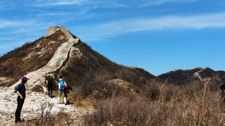A ruined round tower on the Great Wall at Zhenbiancheng